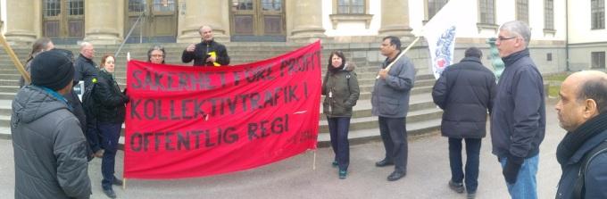 Παρασταση έξω από τη νομαρχία Στοκχόλμης