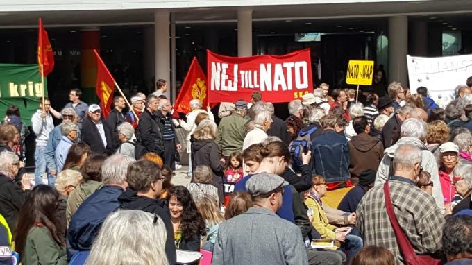 Mot NATO2